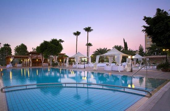 Ajax Hotel: Pool Area
