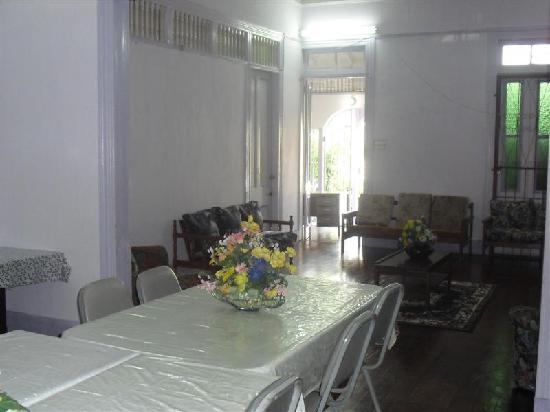 Miracle Healing Inn: Miracle Healing dining room