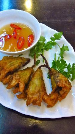 Papaya by Chi Nghia: mushroom stuffed zucchini flowers