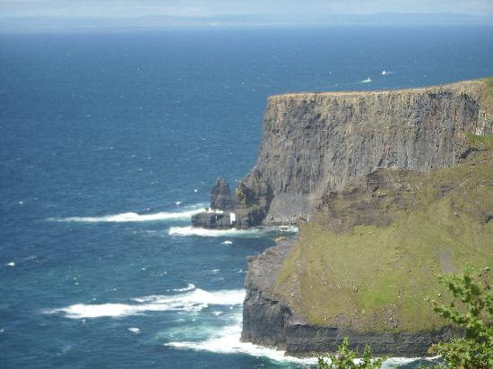Cliffs of Moher: A lovely sunny day