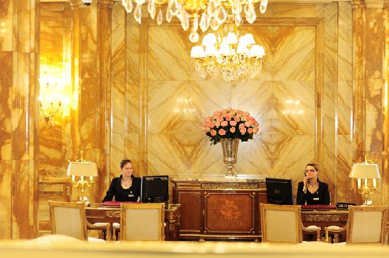 Hotel de Crillon: Reception