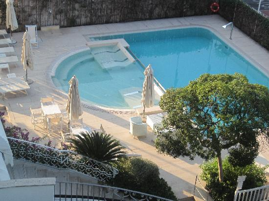 Hotel Il Negresco: Hotel pool with and Jacuzzi