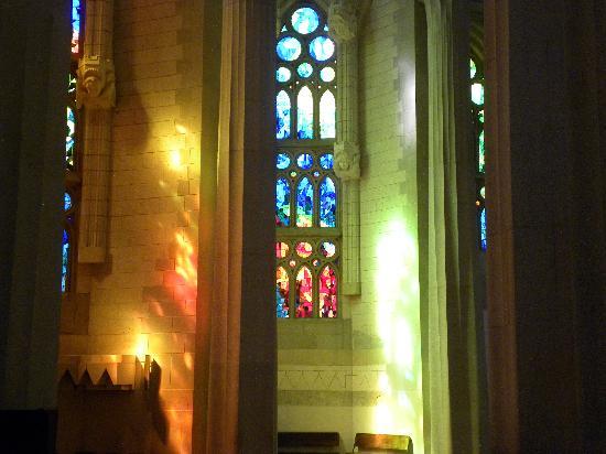 โบสถ์แห่งครอบครัวศักดิ์สิทธิ์: vitrail