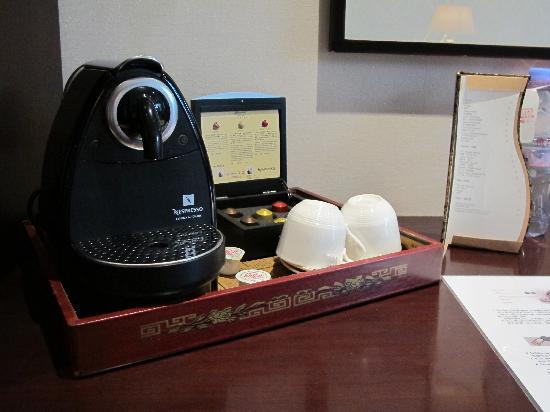 โรงแรมแฟร์มอนท์ ปักกิ่ง: Your very own Nespresso shots..