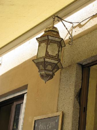 Caffe 31: lanterna esterna