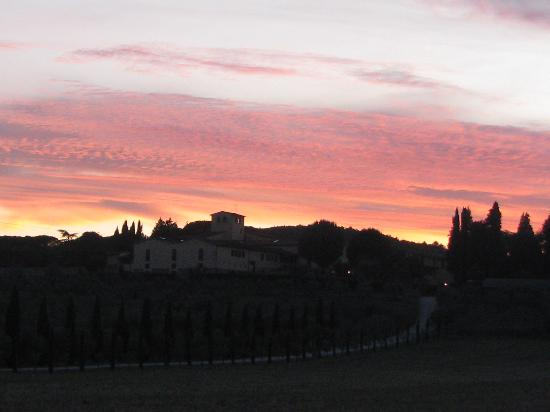 Rignano sull'Arno, Italia: Sunset at the Fattoria