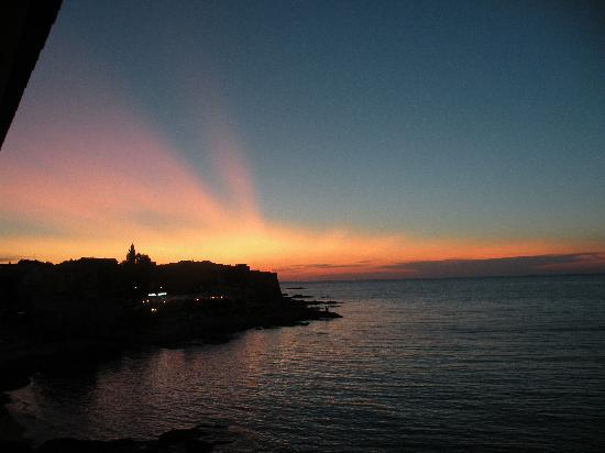 Hotel Beau Rivage: tramonto su Algajola