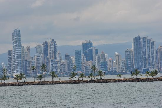 Panama Marine Adventures - Day Tours: View of downtown Panama City from the boat
