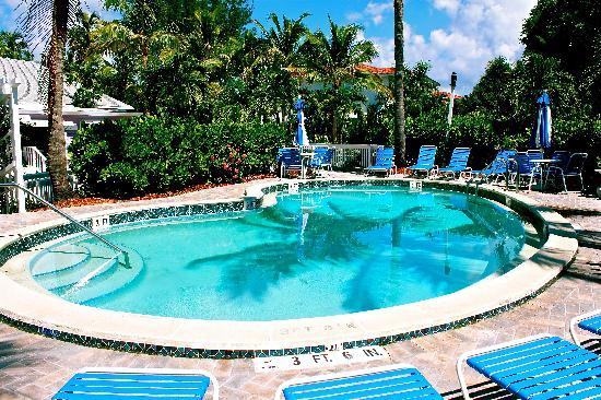 Waterside Inn on the Beach : Pool Area
