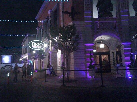 BRIO Tuscan Grille : Brio @ Tivoli at night