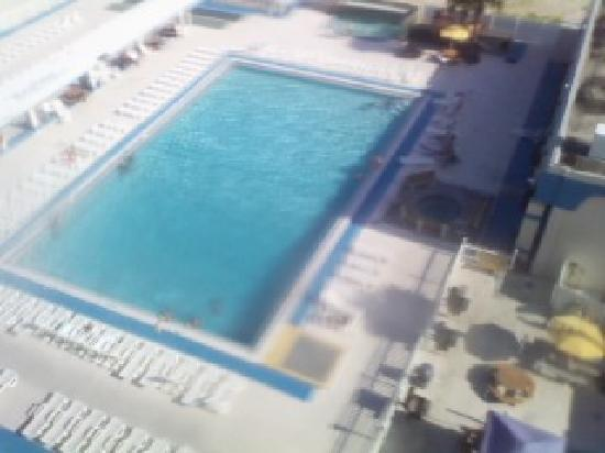 ‪‪Americano Beach Resort‬: The pool‬