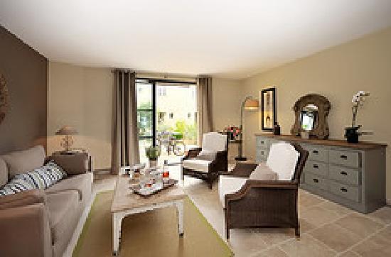 les jardins de saint benoit resort saint laurent de la cabrerisse france voir les tarifs. Black Bedroom Furniture Sets. Home Design Ideas