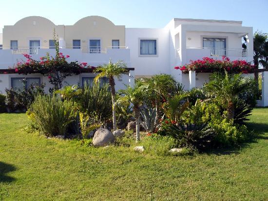 Lakitira Suites : particolare del giardino