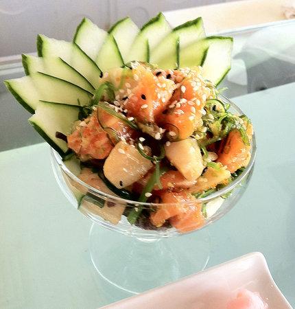 Sushi La Bar - Larnaca: Complimentary sashimi salad