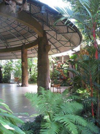 Khaomao-Khaofang Restaurant: Main dome