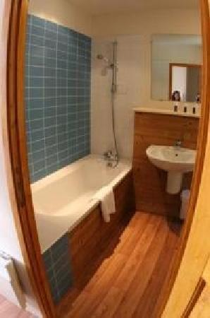 Auberge du Val Joli : baño