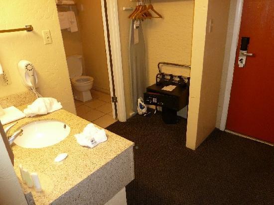 Quality Inn & Suites Goodyear: Eingangsbereich