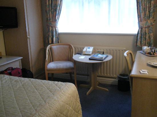 Penmere Manor Hotel: Room 15, wider shot