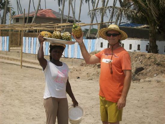 Sobamba Beach Resort: Anyone for Pineapples