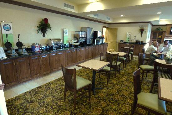 Country Inn Amp Suites By Carlson Bowling Green Updated