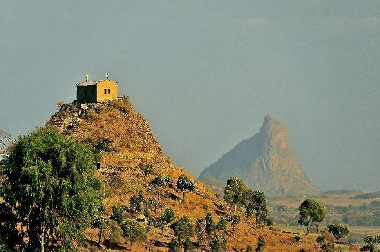 Aksum, Ethiopia: Hiking above the town