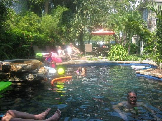Gumbo Limbo Vacation Rentals Inc.: The Pool Area at Gumbo Limbo
