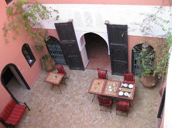 Riad La Perle de Marrakech: The cosy patio