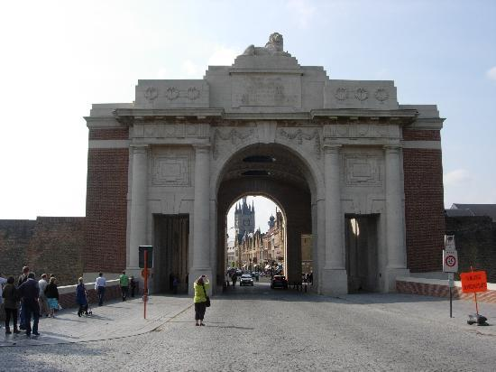Quasimodo Tours: The Menin Gate, Ypres