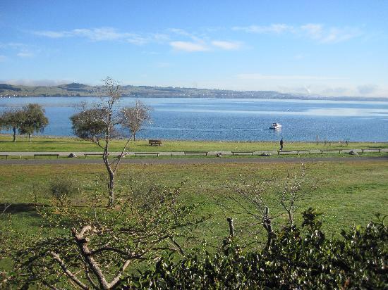 Wharewaka Lodge: View from the Lodge on Lake Taupo