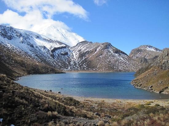 Wharewaka Lodge: One of the lakes in Tongariro park