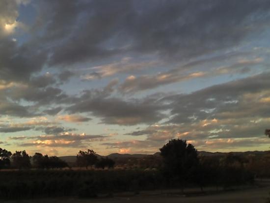 Honey Oak House Bed & Breakfast: Sunset