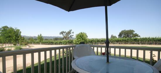 Honey Oak House Bed & Breakfast: Patio view