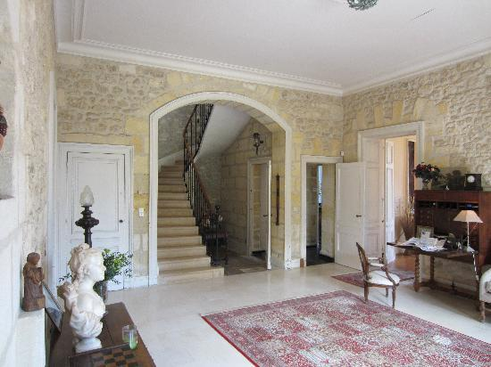 Chateau Lavergne-Dulong - Chambres d'hotes: Reception Ground Floor