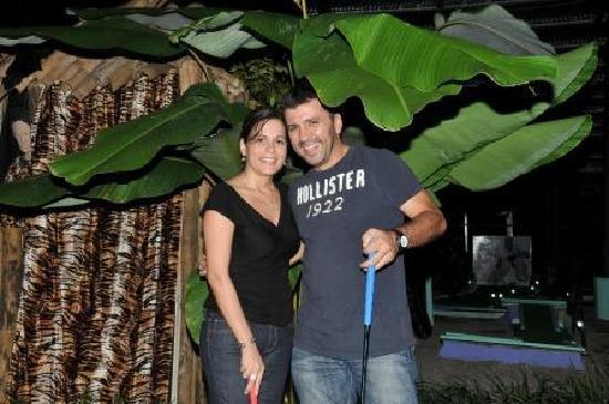 Reno's International Mini Golf & Amusement Center: Cute couple on date night