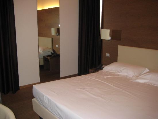Hotel Opera: Room