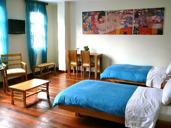 Hotel Casa Deco : The Blue room, this double room is nearly Scandinavian in feel.