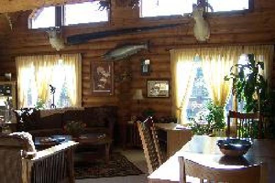 Alaska Hooksettters Lodge: Alaska Hooksetters Lodge Interior