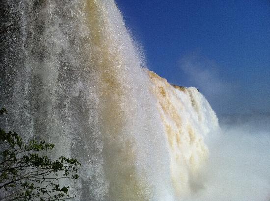 Iguazu Falls: Majestuosas