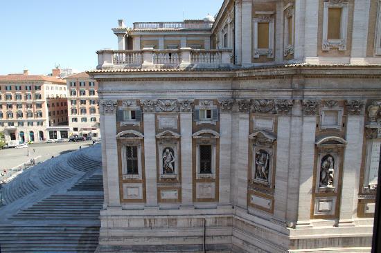 Antico Palazzo Rospigliosi: View from bedroom window - Basilica of Santa Maria
