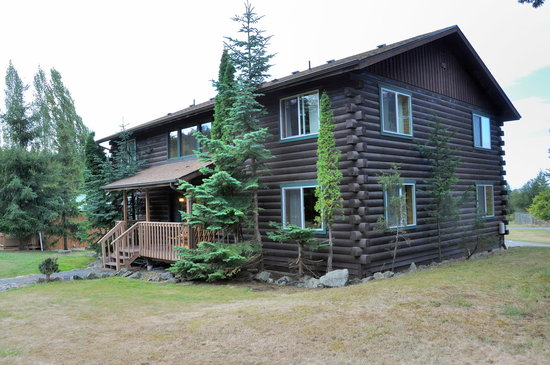 Deer Harbor Inn: Main lodge