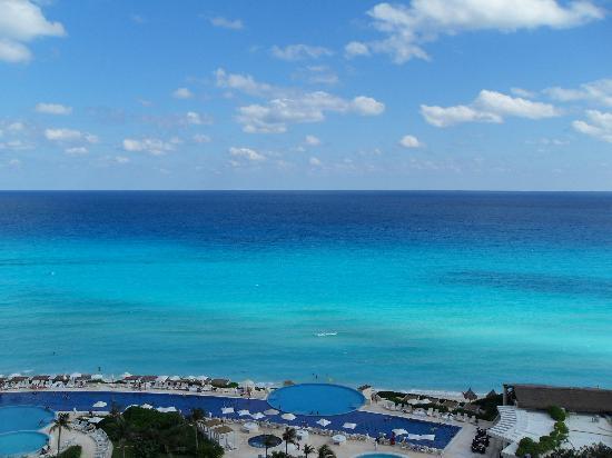 Live Aqua Cancun All Inclusive: vista del aqua