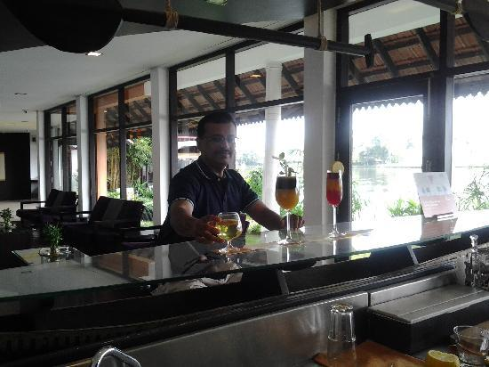 Citrus Retreats Alleppey: The Bar counter