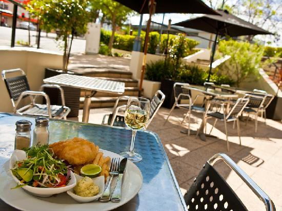 Comfort Hotel Perth City: Bluerock Bar Restaurant - Alfresco