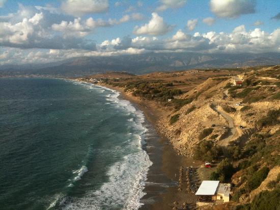 Matala Valley Village Hotel : Komo-Beach von der Taverne Vraos aus gesehen