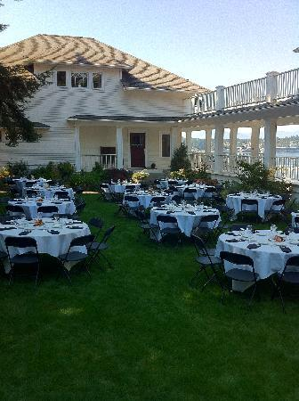 Cedar Cove Inn: tables set up on the lawn prior to event