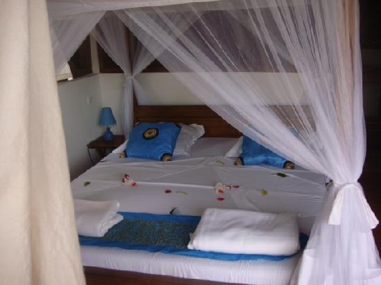 Hotel Eco-Lodge Ravoraha: lit du Ravoraha