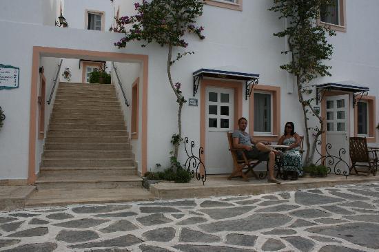 Hotel Çomca Manzara: devant la chambre