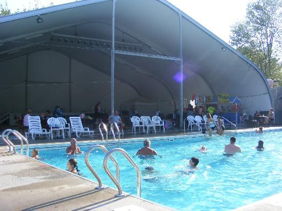 Bayley's Camping Resort : Front Pools