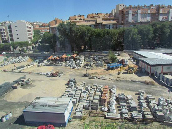 NH Madrid Ribera del Manzanares: Vue depuis une chambre du 4ème étage. Choisir coté rivière