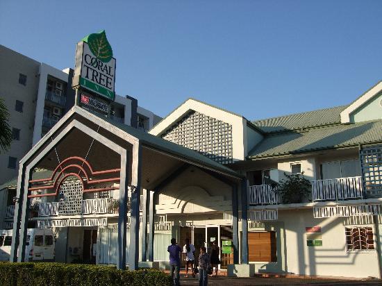 Coral Tree Inn: 入り口